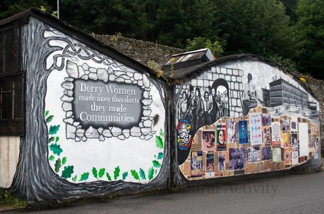 02809 2015-08-24 DerryWomenLeft+