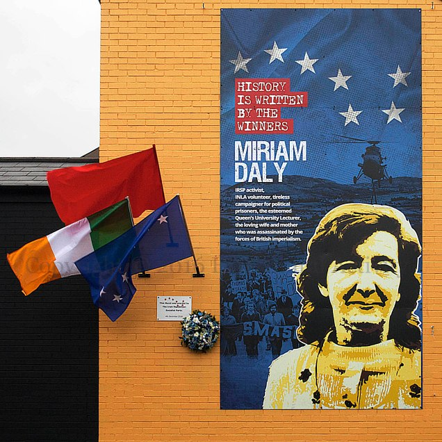 03961-2016-12-04-miriamdaly-flags